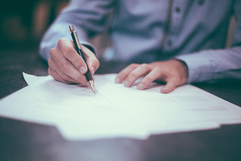 Diferenta dintre o traducere autorizata si o traducere legalizata